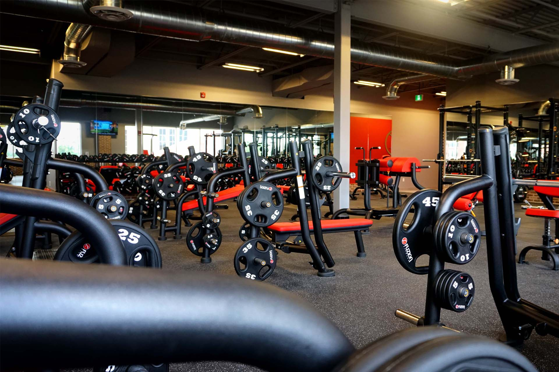 circuit-fitness-training-in-gym